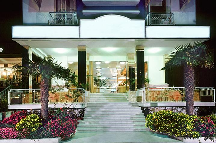 wikiweb-hotelbaiamarina-01.jpg