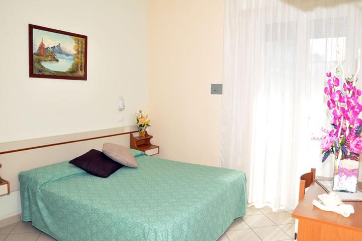 wikiweb-hotelsenyor-08.jpg